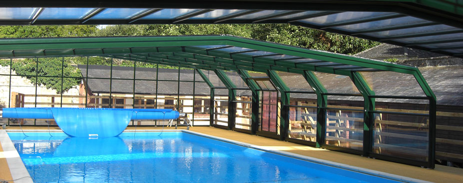 Swimming pool enclosures swimming pools for Swimming pool converted to greenhouse